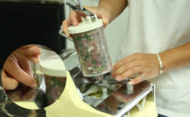 Alat Cetak Pastel Dumpling Manual 10